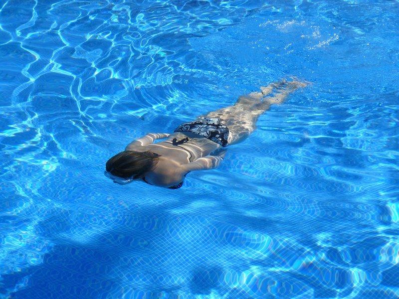 Noclegi z basenem w Świnoujściu – wypoczynek o każdej porze roku