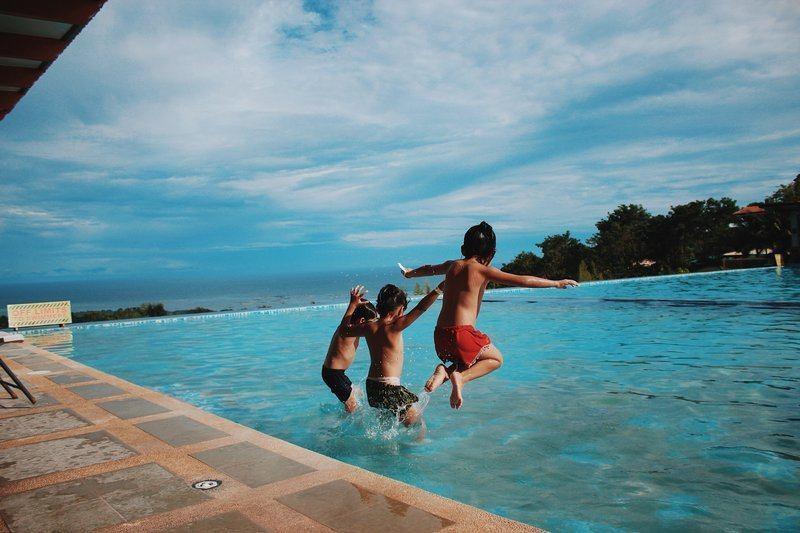 Noclegi nad morzem z basenem