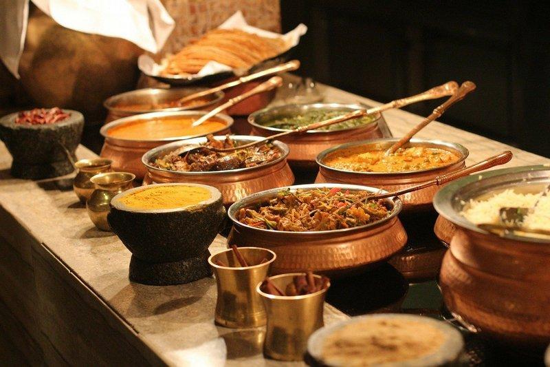 Posiłek w podgrzewanych naczyniach